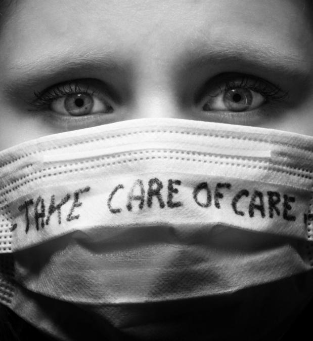 """Lettre ouverte de 120 soignants et médecins : """" Nous déplorons la gestion politique et sanitaire de la pandémie """""""