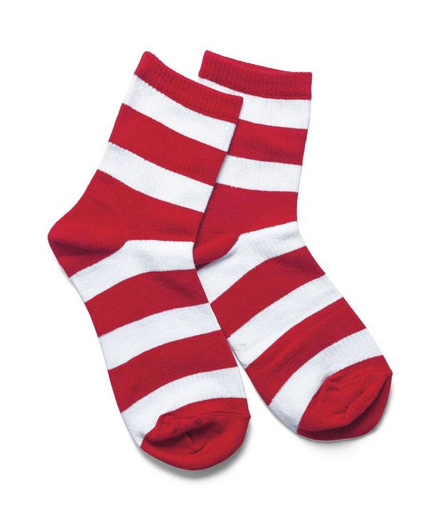 Bélarus: arrêtée à cause de ses chaussettes blanches à bandes rouges