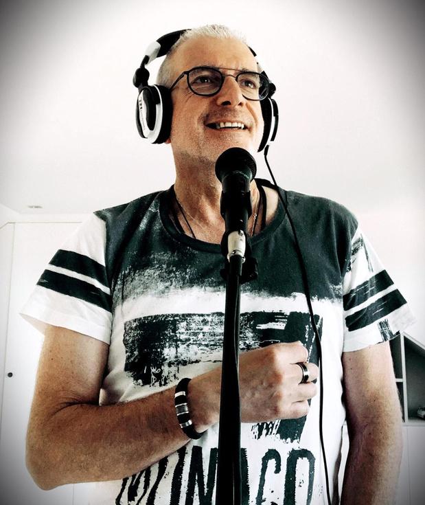 Bob Savenberg doorbreekt na 23 jaar de stilte met een nieuwe single en theatertournee