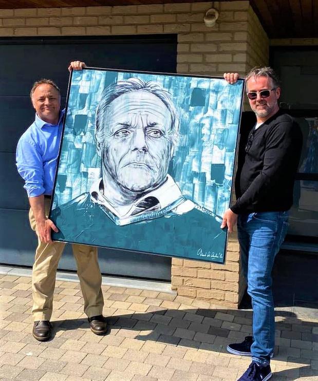 Blankenbergse kunstenaar schenkt portret aan viroloog Marc Van Ranst