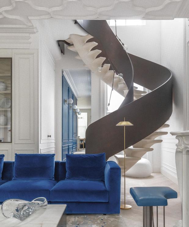 Colonne vertébrale: un escalier comme un squelette de baleine