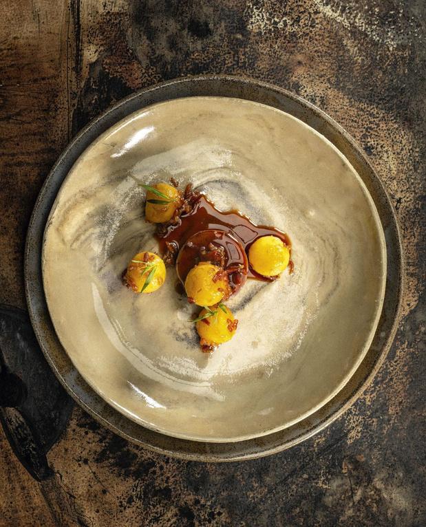 La recette de chevreuil d'ici et pommes au lard de Christophe Pauly