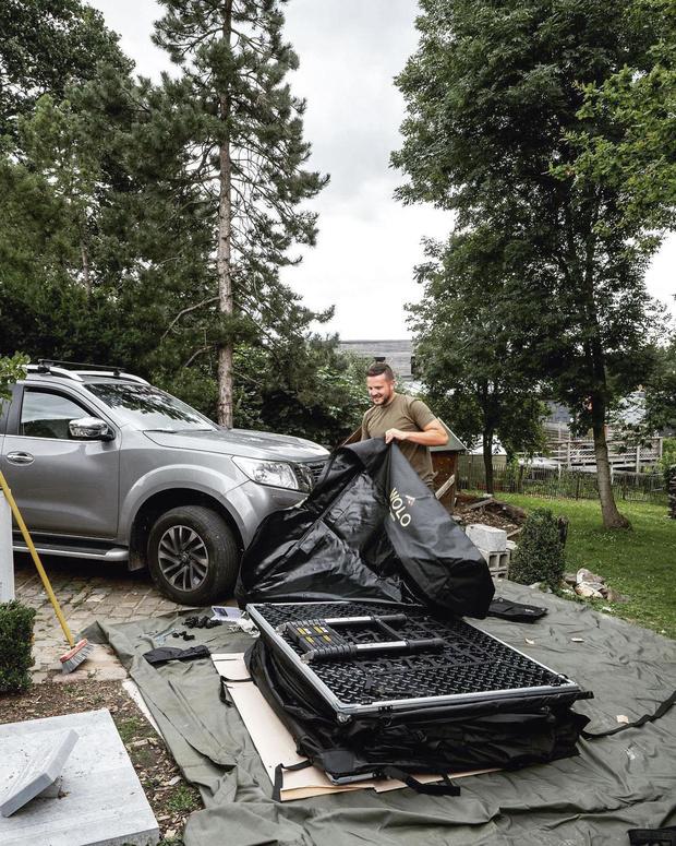 Wolo - Kamperen op een wagen