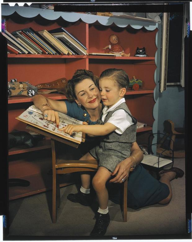 """Une sacrée paire de mères: """"Fils, goûte la vie, que jeunesse se fasse. Toi, fille, surtout garde les cuisses serrées"""" (chronique)"""