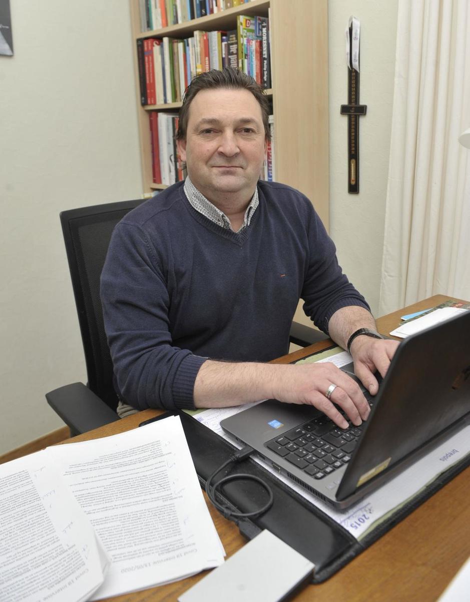 Tom Wylin coördineert in coronatijden de telefonie bij Zorg en Gezondheid