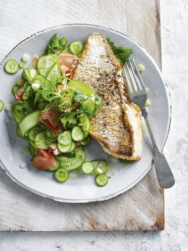 Krokante vis met slaatje