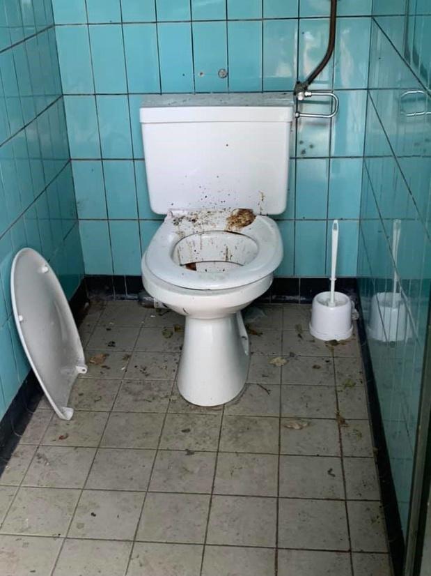 Vuile boel bij Maldegemse openbare toiletten: gemeente plaatst camera's
