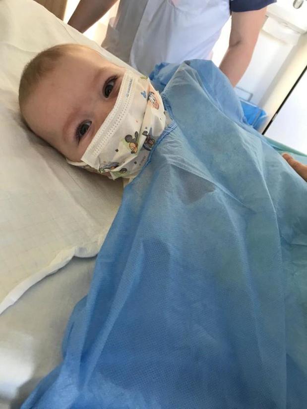 Baby Victor uit Moorsele krijgt levensreddend medicijn en stelt het goed