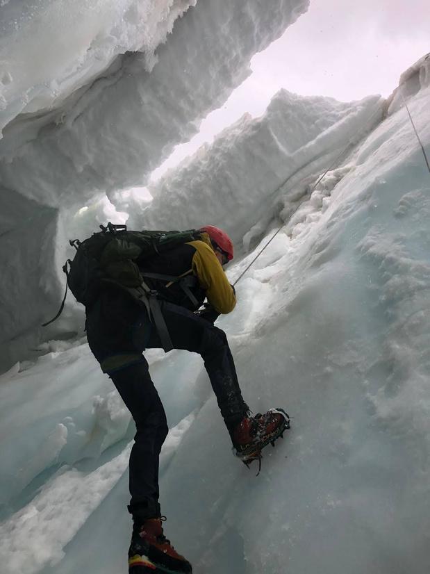 Sander (25) overleeft val van 33 meter bij beklimming Mont Blanc