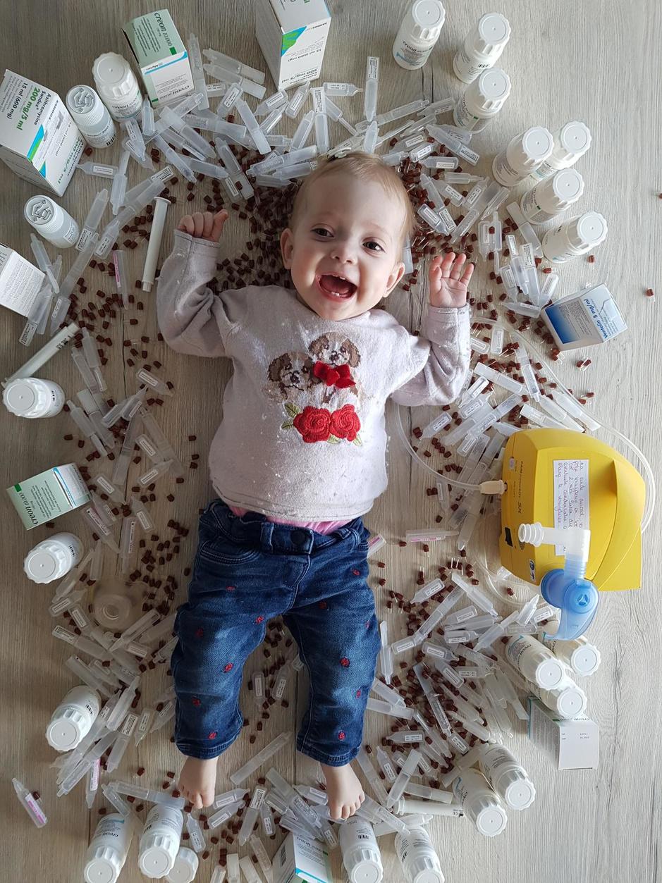 30 pillen per dag om te kunnen overleven: Arya (1) vecht tegen mucoviscidose
