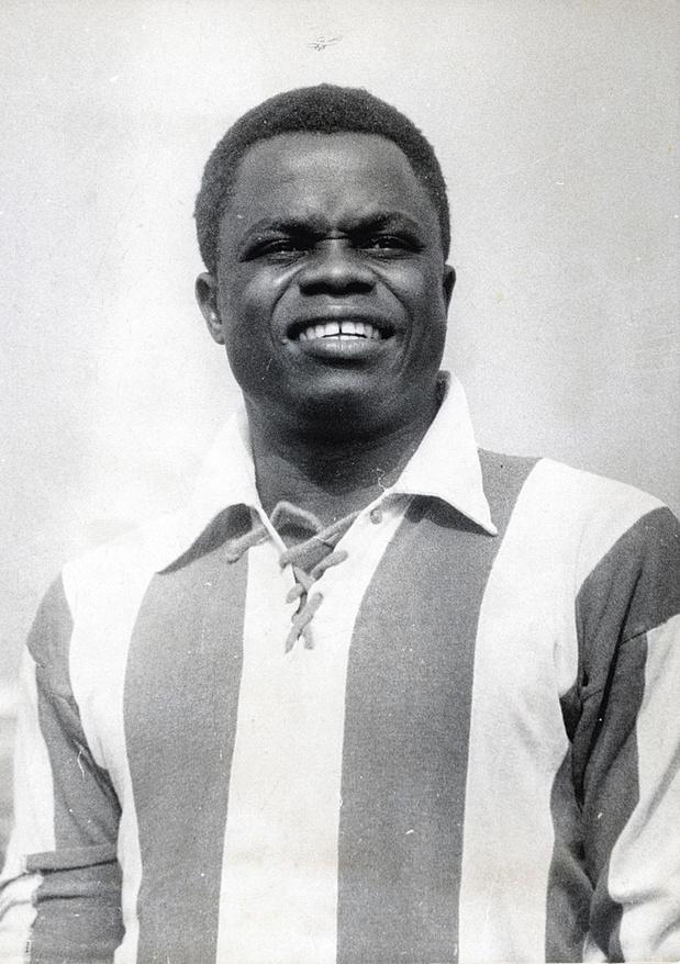 Léon Mokuna, de circusattractie