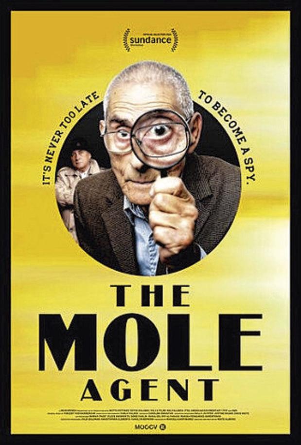 [critique ciné] The Mole Agent: un prisme inhabituel, pour un résultat sensible