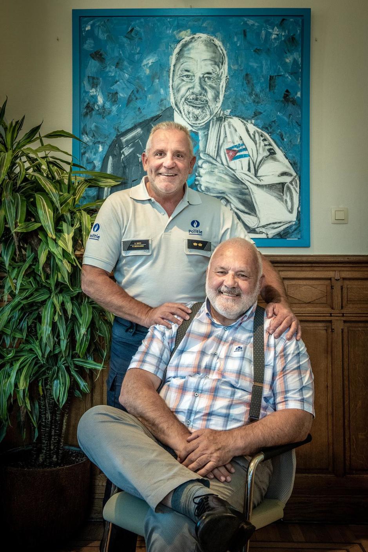 Na jarenlange schorsing duikt 'superflik' op in het korps van boezemvriend Jean-Marie Dedecker
