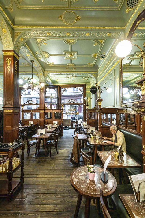 Petit tour des beaux cafés Art déco de Bruxelles