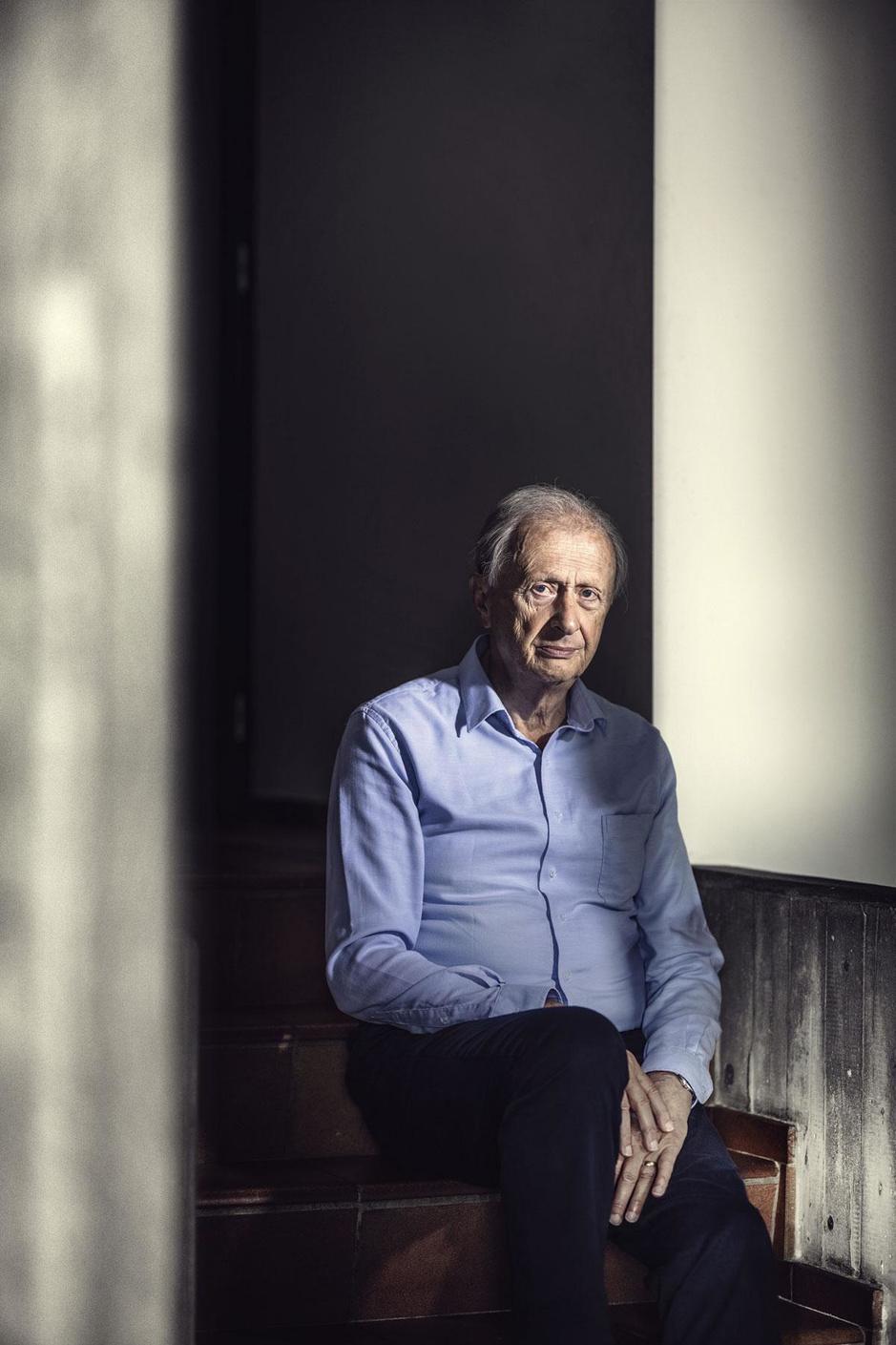 Seksuoloog en relatietherapeut  Alfons Vansteenwegen: 'Stop ouderen niet weg in fabrieken'