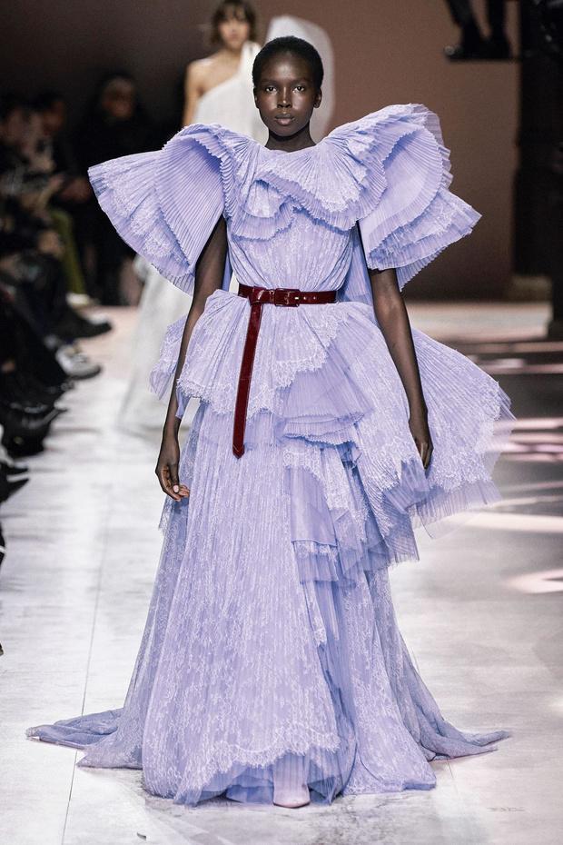 La haute couture s'apprête à ouvrir le bal de la création vestimentaire, qui promet d'être palpitant