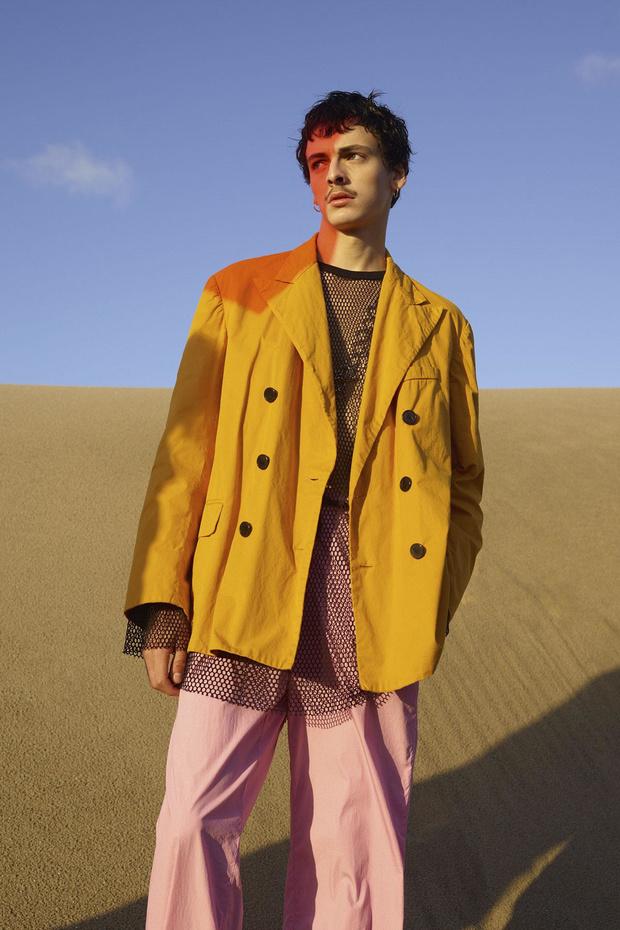 Pastels, pyjamas de ville et shorts larges: le dressing Homme de l'été