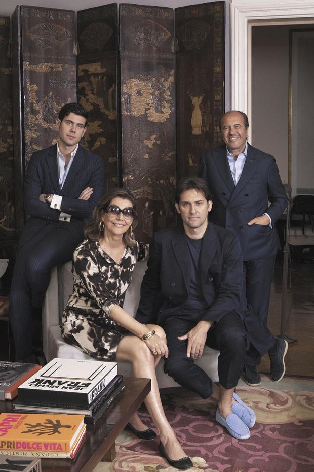 Une vie de papier glacé: La saga des Assouline, une famille au service de l'édition et du luxe