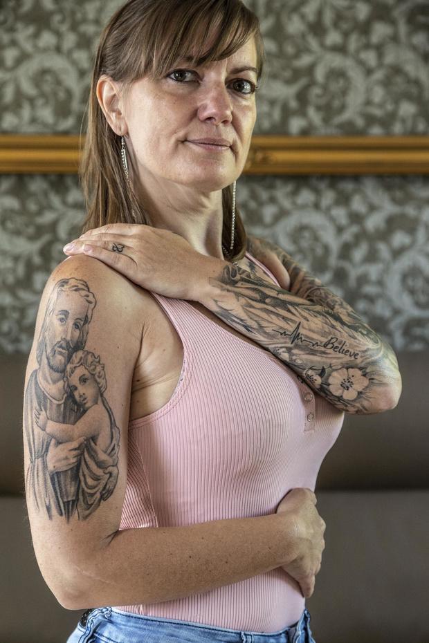 Dadizeelse kandidate Miss Tattoo haalt kracht uit tatoeages om ziekte te overwinnen