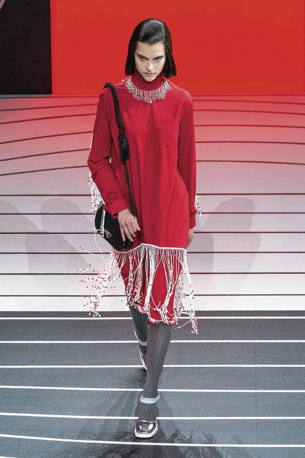 'Pas een uur voor de show van Prada belde ik naar mijn moeder: let goed op het meisje in het rood'