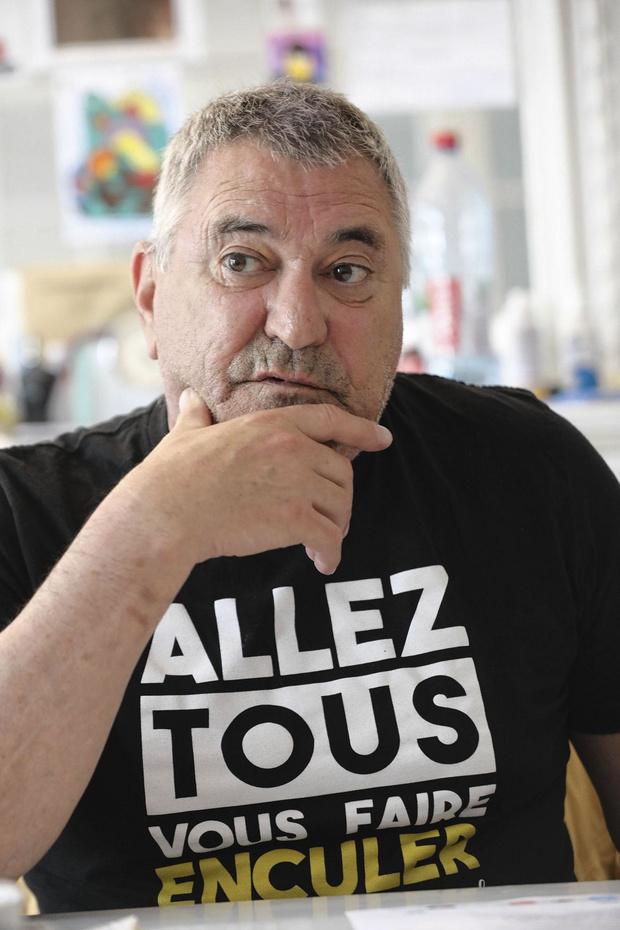 Présidentielle française: le candidat hors système, manipulé ou redouté