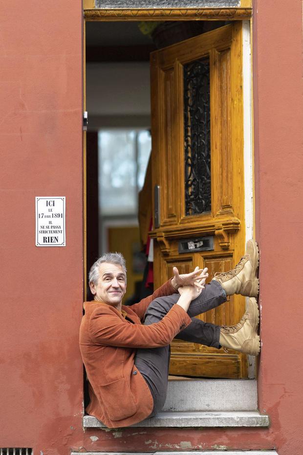 """Bruno Coppens se dévoile : """"L'humour, un bras d'honneur au pessimisme!"""""""