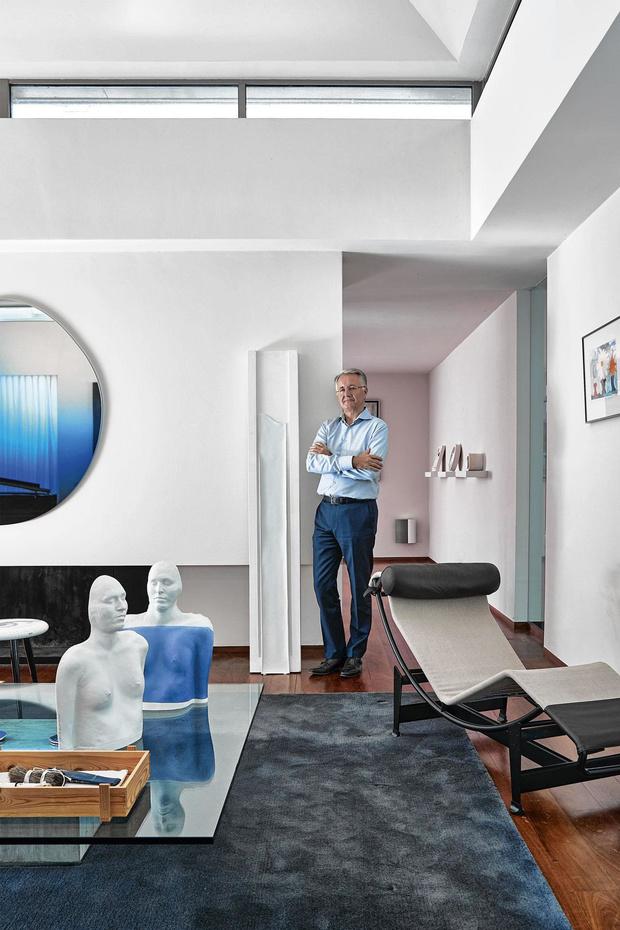 Bleu de lui: le roi de la porcelaine, Piet Stockmans, fête ses 80 ans