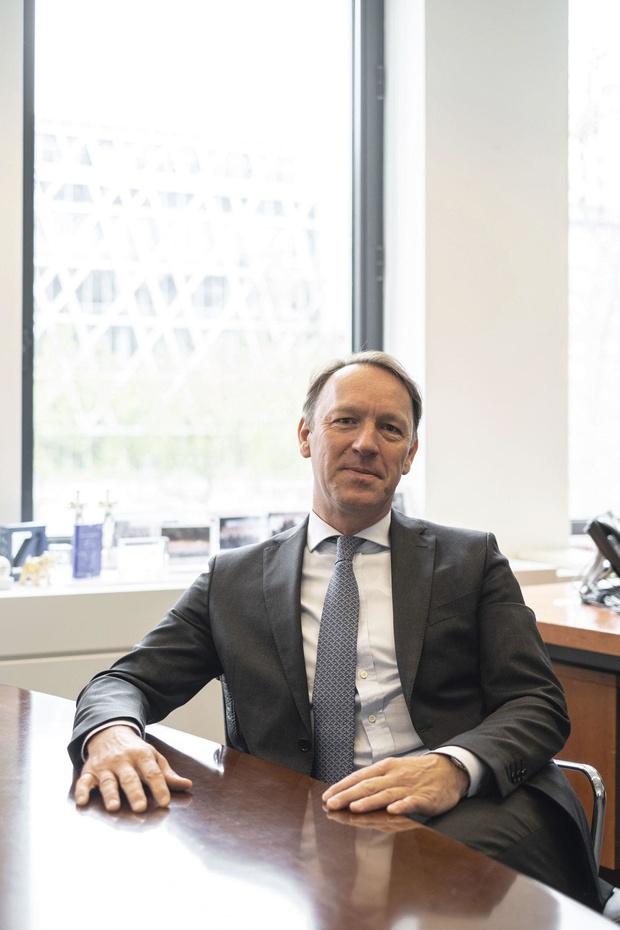 """Olivier Delfosse, CEO de la Deutsche Bank Belgium: """"Nous ne remplacerons pas nos conseillers par des applis"""""""