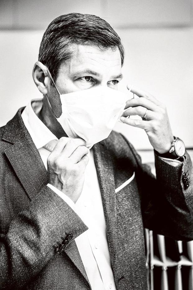 ConTeyor maakt herbruikbare chirurgische mondmaskers