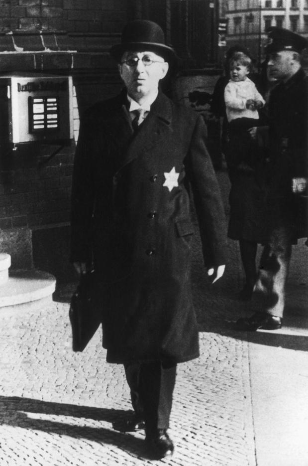 Le 15 septembre 1935, à Nuremberg, l'antisémitisme devient loi