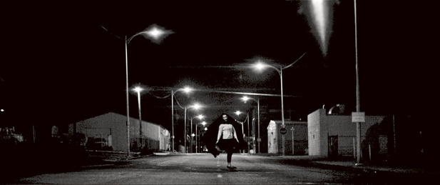 The Girl uit A Girl Walks Home Alone at Night (2014)