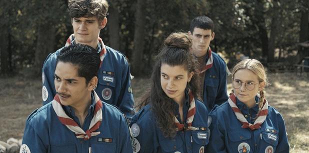 """Coyotes, la nouvelle série belge en uniforme: """"Le scoutisme amenait plein de codes intéressants à exploiter"""""""