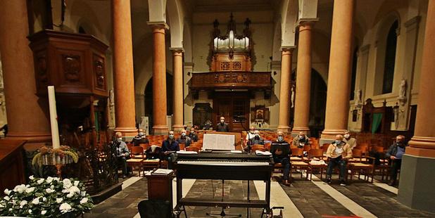 Gemengd koor Canticorum repeteert voor Will Tura Special