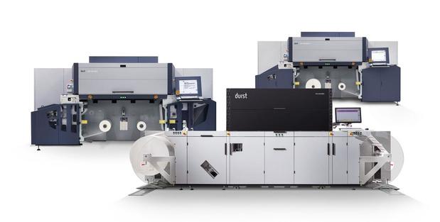 100e installation d'une presse numérique à étiquettes Durst Tau