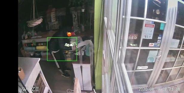Inbreker steelt geldkoffer bij bloemist in Lissewege