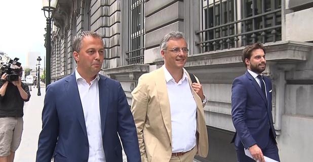 Négociations fédérales: non, Lachaert, Coens et Bouchez n'ont pas pu faire exprès de si mal négocier