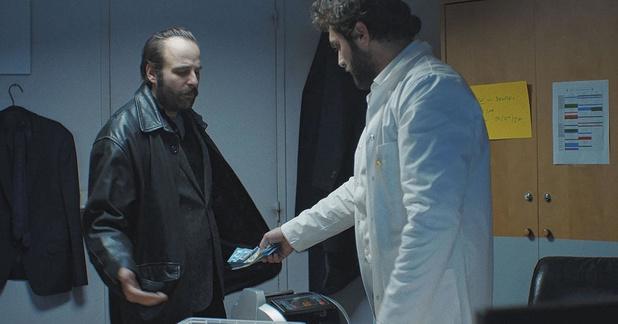 [critique ciné] Médecin de nuit: de la chronique sociale au polar ascendant film noir