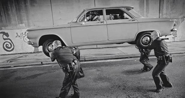 911 is a joke: 30 ans de brutalités policières en musique