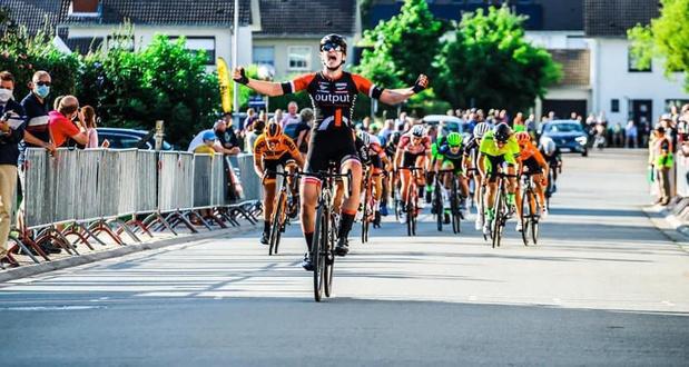 Juniore Marith Vanhove wint bij dames elite in Iddergem