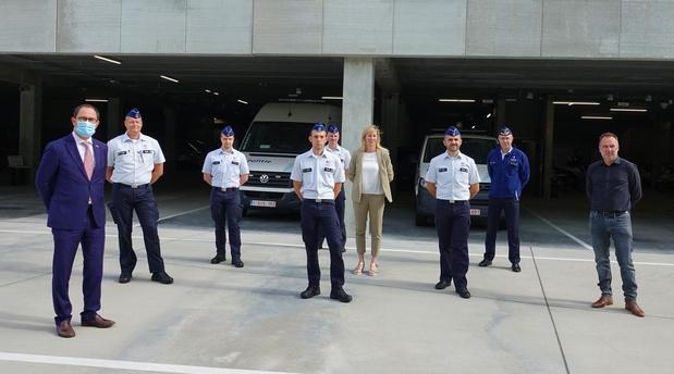 Politiezone Vlas stelt zes nieuwe medewerkers voor