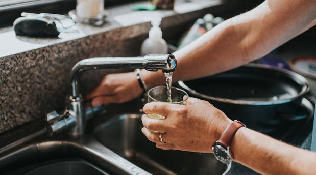L'impact environnemental de l'eau en bouteille 3.500 fois supérieur à celui de l'eau du robinet
