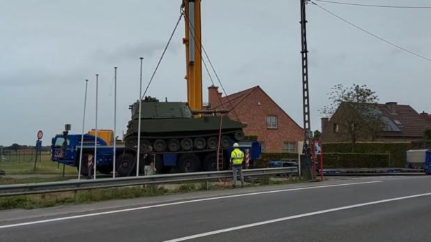 Howitzer-tank aan Leiebrug krijgt nieuwe plaats in Dolagestraat