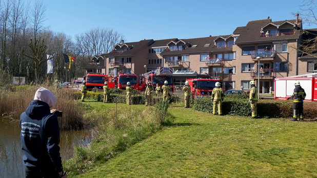 Brandweer Ingelmunster laat sirenes loeien voor zorgkundigen