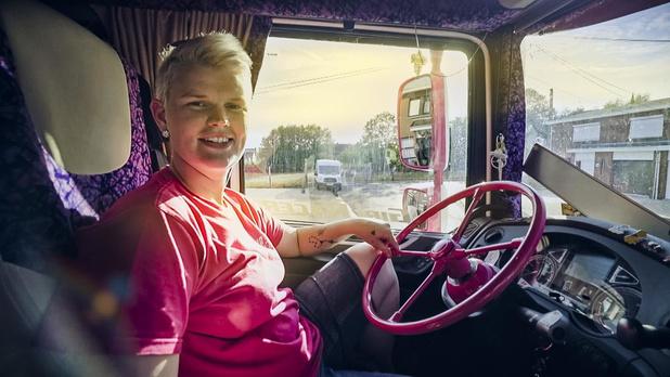 Ulrycke Pattyn uit Hooglede toont zich van haar beste kant in Lady Truckers