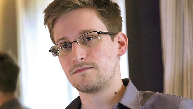 Klokkenluider Edward Snowden nadat aan het licht was gekomen dat Denemarken de Amerikaanse NSA geholpen heeft om onder meer Angela Merkel af te luisteren