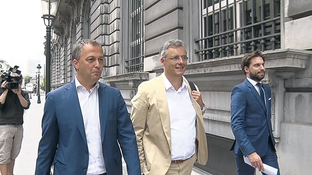 Formation fédérale: Georges-Louis, Joachim, Egbert et leur plan à trois