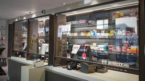 Glasstechnics uit Wevelgem installeert volop coronaschermen