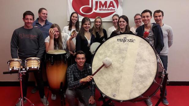 Jeugdmuziekatelier van Wielsbeke pakt uit met 'quarantainekaraoke'
