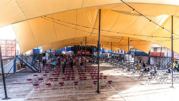 """Eerste coronaproof evenementenplein is er klaar voor: """"Strengere maatregelen op slecht moment"""""""