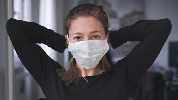 'Iedereen zou een mondmasker moeten dragen'